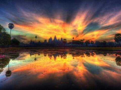 1392385583444_Amazing-Reflection-Photography-8-590x439.jpg