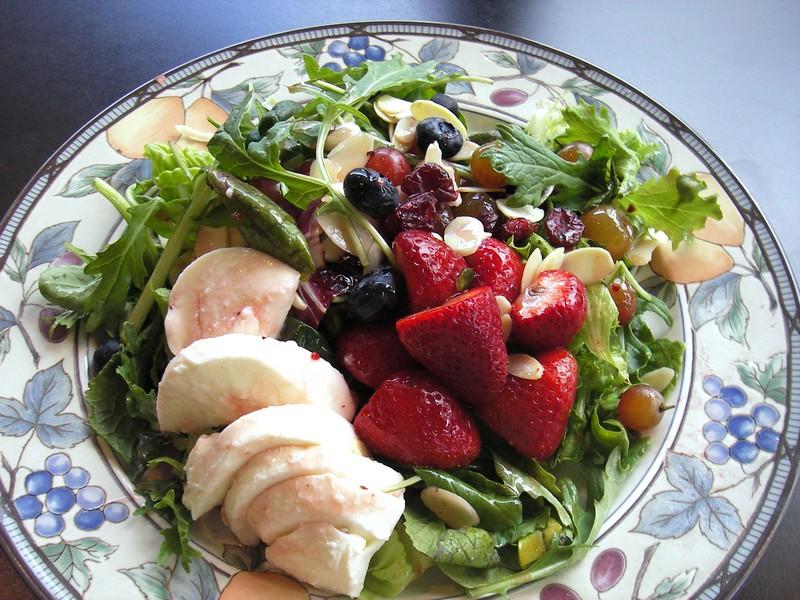 Very_Berry_Salad.jpg